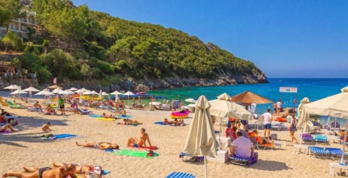 лучшие пляжи Корфу Палеокастрица, Греция