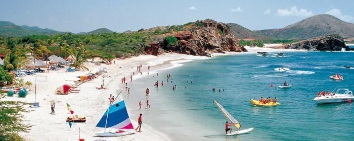песчаный пляж в Кассандра, Халкидики, Греция